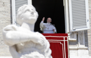 Pope Francis: Angelus in Saint Peter's Square